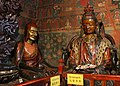 Gyantse-Paelkhor Choede-44-Bibliothek-Lamas-2014-gje.jpg