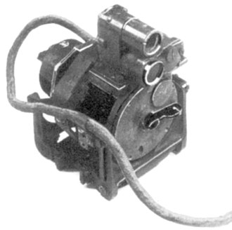 Gyro gunsight - The Ferranti Gyro Sight Mk I. The pilot/gunner had to look into the narrow field folded prismatic telescopic sight at the top of the device, a drawback corrected in the later Mark II.