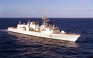 HMCS Calgary (FFH 335) underway 1999.jpeg