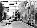 HUA-171960-Afbeelding van het blussen van een brand in een dubbeldekker op station Schagen.jpg