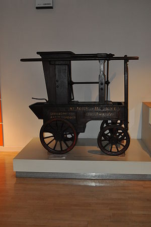 Hackney Museum - Hackney's first fire engine exhibited in the museum