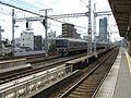 Hankyu Kasuganomichi Station platform - panoramio (19).jpg