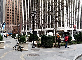 Hanover Square (Manhattan) - Looking east.