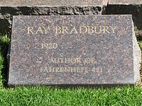 Headstone of Ray Bradbury, May 2012.jpg