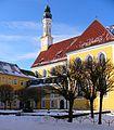 Hof der Zisterzienserinnen-Abtei Seligenthal im Winter.jpg