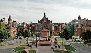 http://upload.wikimedia.org/wikipedia/commons/thumb/9/9d/Hospital_de_Sant_Pau_01.jpg/300px-Hospital_de_Sant_Pau_01.jpg