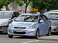 Hyundai Accent GLS 1.4 2011 (11879318234).jpg