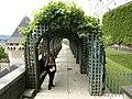 Il giardino del castello - panoramio - Itto Ogami.jpg