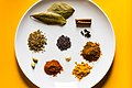 Indian spices (garam masala components) (49684334741).jpg