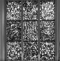 Interieur, aanzicht gebrandschilderd glas-in-loodraam - Amsterdam - 20368332 - RCE.jpg