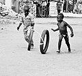 Jeu de pneu usager servant Porto-Novo.jpg