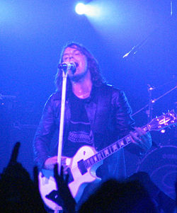 Joey Tempest con gli Europe dal vivo a Milano durante lo Start from the Dark tour 2004