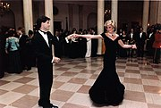 Travolta dancing with Diana, Princess of Wales at a White House dinner on 9 November 1985.