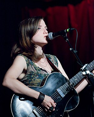 Jolie Holland - Jolie Holland performing in 2009