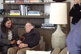 Julius Shulman with Ron Radziner 2.jpg