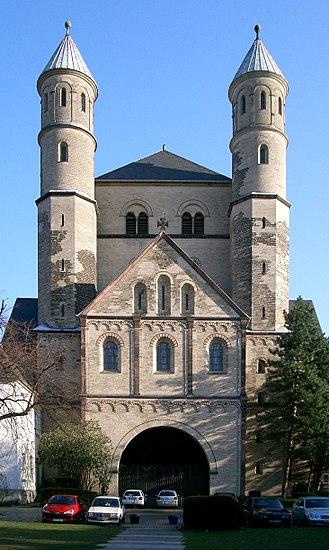 Saint Pantaleon's Church, Cologne - Church of St. Pantaleon, front facade