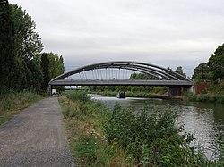 Kaiserbrücke (Brücke 230) Hannover 0047.jpg