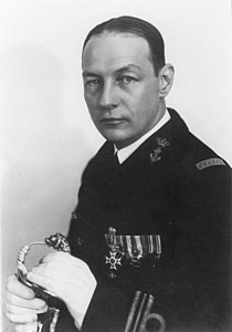 Karel Doorman as lieutenant-commander.jpg