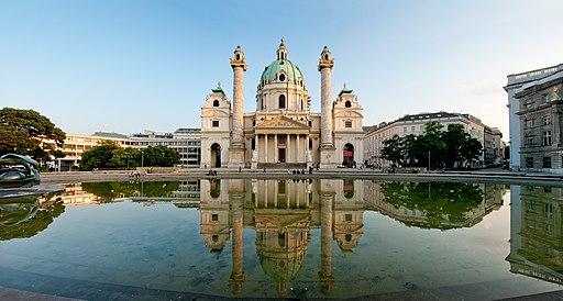 Karlskirche panorama