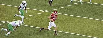 2014 South Dakota Coyotes football team - Kevin Earl runs against Oregon