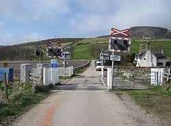 Kirkton level crossing 2010 (13175363505).jpg