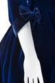 Klänning, detalj. Foto till boken: Ett sekel av dräkt och mode ur de Hallwylska samlingarna - Hallwylska museet - 90089.tif