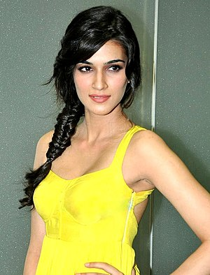 Kriti Sanon - Image: Kriti Sanon at the launch of 'Whistle Baja' song from 'Heropanti'