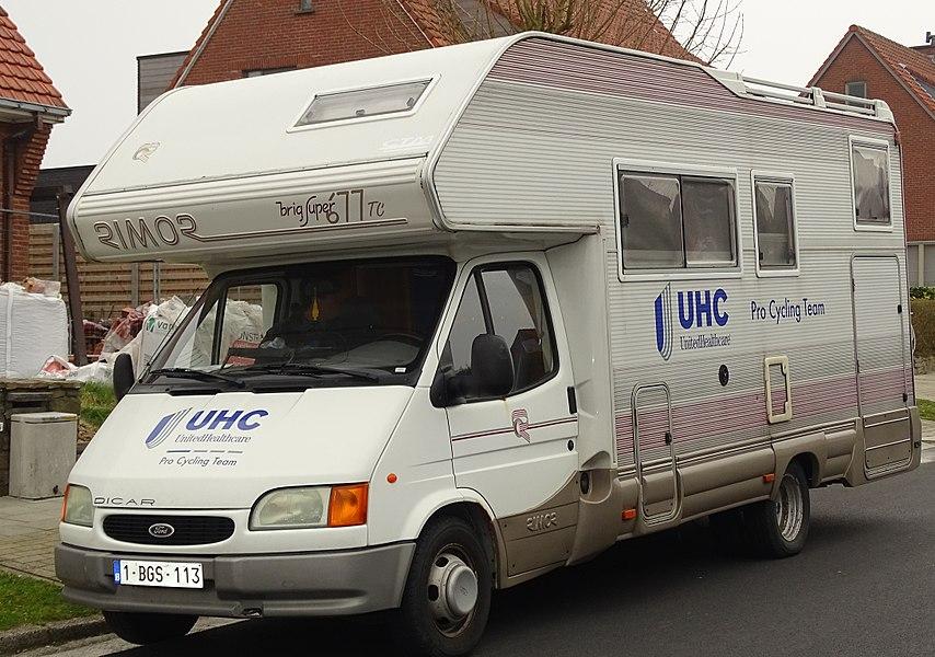 Reportage réalisé le mercredi 18 mars sur le parking des bus et la zone de ravitaillement de la Nokere Koerse 2015 à Kruishoutem, Belgique.
