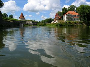 Burg und Burgpark in Kuressaare