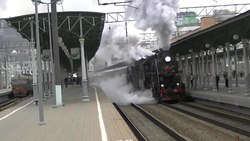 Файл:L-2344-3653 with retro train departs Belorussky terminal in Moscow.webm