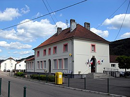 The town hall in La Longine