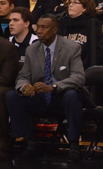 Larry Farmer (basketball) - Farmer as bench coach for Western Michigan University