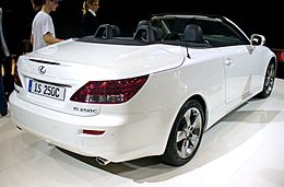 Lexus IS 250C Heck.JPG