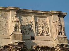 Particolare dell'attico con due episodi delle imprese dell'imperatore Marco Aurelio