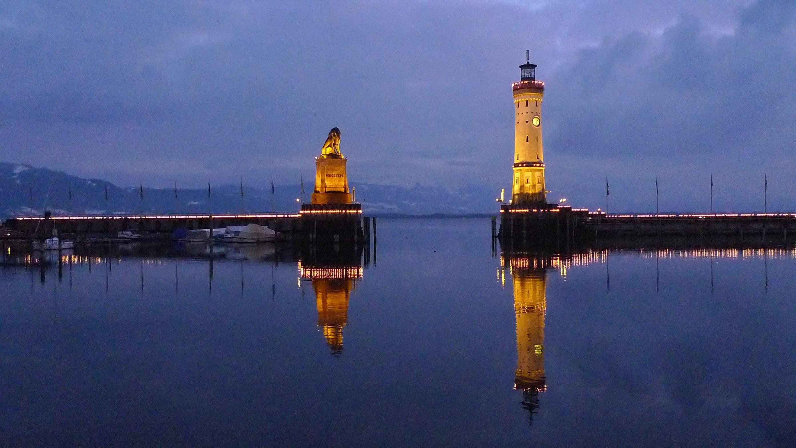 FileLindau Hafeneinfahrt im Winter 2 filteredtif
