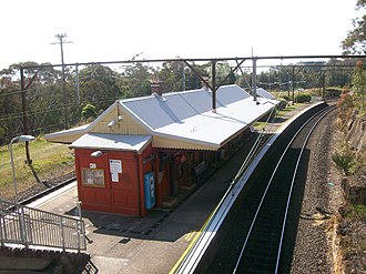 Linden railway station, New South Wales - Eastbound view in September 2012