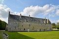 Logis abbatial de l'ancienne abbaye Sainte-Marie de Longues-sur-Mer. Vue est.jpg