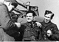 Lotnicy i obsługa techniczna polskiego dywizjonu myśliwskiego 303 w Northolt (21-75-5).jpg