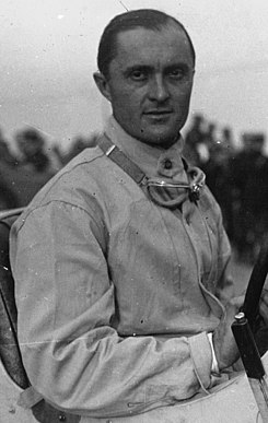 Louis Chiron in Montlhéry in 1927 (cropped).jpg