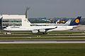 Lufthansa A346 D-AIHT-1.jpg