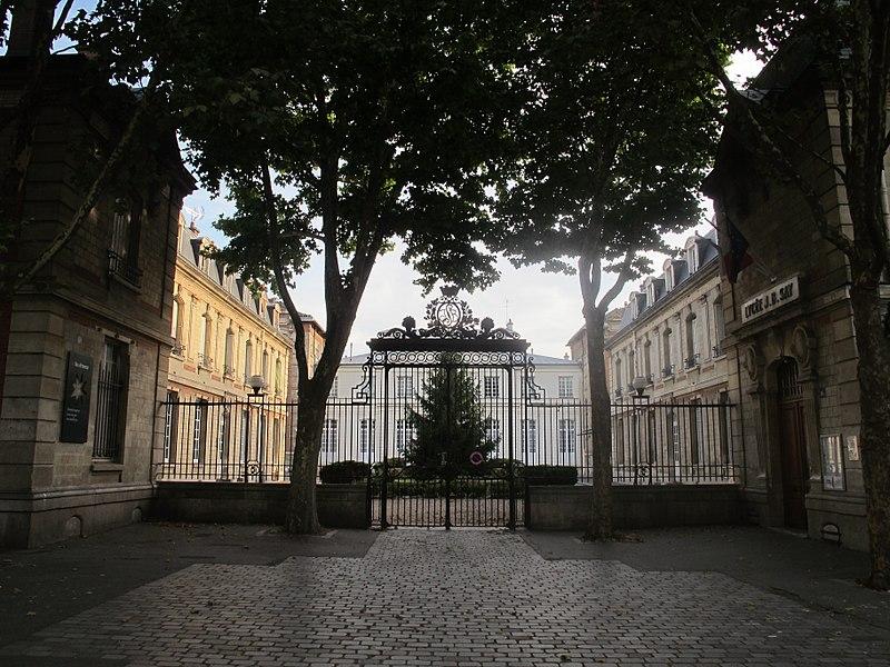 Fichier:Lycée Jean-Baptiste-Say 2.jpg