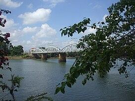 Một nhánh sông Đồng Nai chảy qua cù lao Phố.jpg
