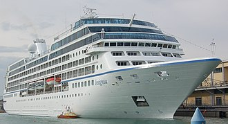 Oceania Cruises - Image: MS Insignia in Venice 2008 (cropped)