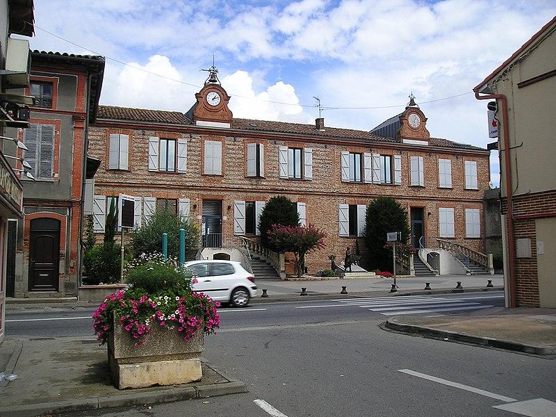 Léguevin (Haute-Garonne, Midi-Pyrénées): The city hall.