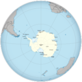 Map of Antarctic research bases with continents.png