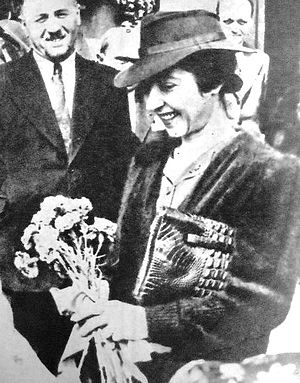 Maria Antonescu - Maria Antonescu greeted with flowers during one of her official visits (ca. 1941).