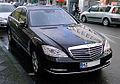 Mercedes-Benz W221 facelift 2009 black.jpg