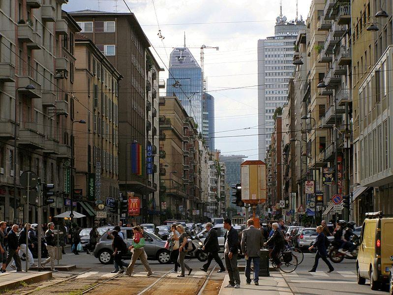 File:Milano centro.JPG