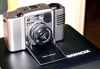 Tessar - Minox MDC  Minoxar 35mm/2.8 lens, a wide angle Tessar type lens.