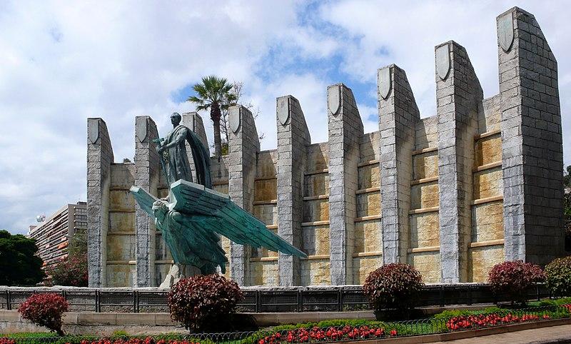 File:Monumento a Franco (santa Cruz).jpg
